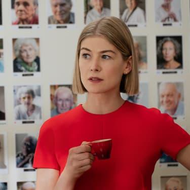 I Care a Lot : la nouvelle pépite de Netflix, entre thriller et humour noir