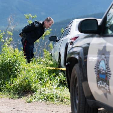 Après sa mutation dans la série Tin Star, l'officier Jim Worth (Tim Roth) se retrouve à enquêter dans les montagnes rocheuses au Canada.
