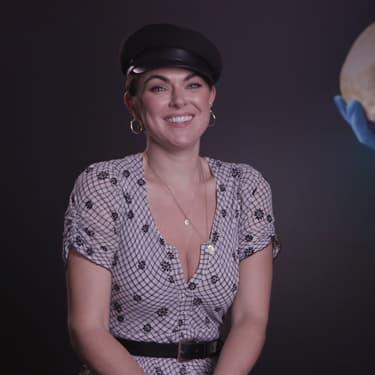 Serinda Swan, star de la série Coroner sur 13ème RUE.