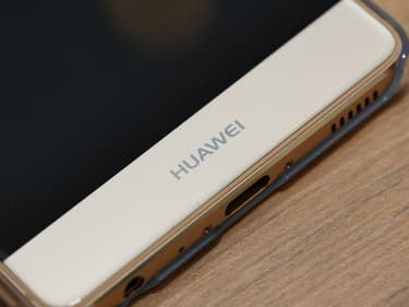 Le Huawei P40 Pro dévoile son énorme objectif photo