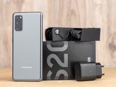 Samsung envisagerait de vendre ses smartphones sans chargeur
